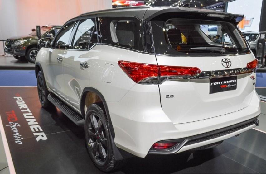Toyota Fortuner Trd Sportivo Rear Black Top