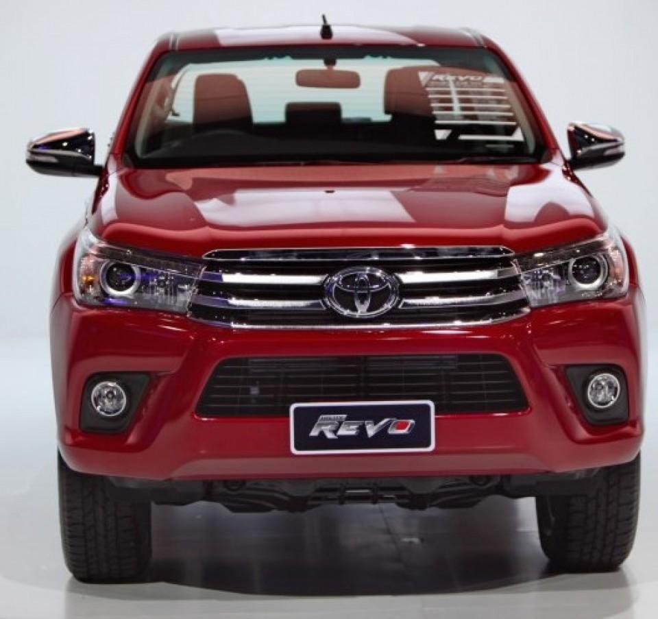 Toyota hilux revo exterior